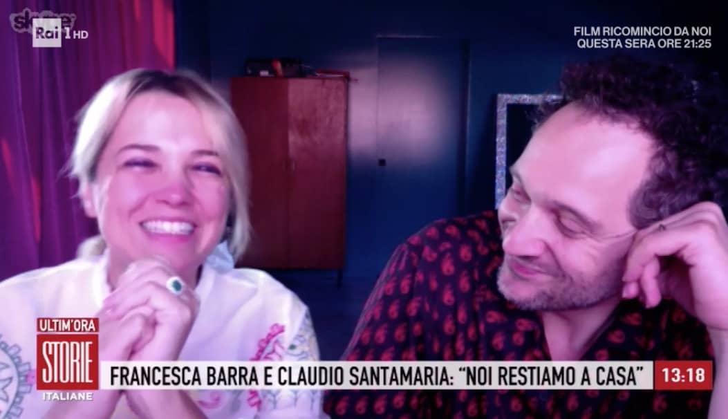 Francesca Barra e Claudio Santamaria da casa per Storie Italiane, in lacrime tra le canzoni (Foto)