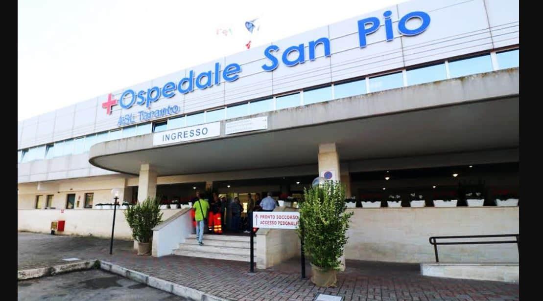 """Ospedale di Castellaneta, medico tace sulla febbre e contagia altri 10 colleghi: """"E' uno sfacelo"""""""