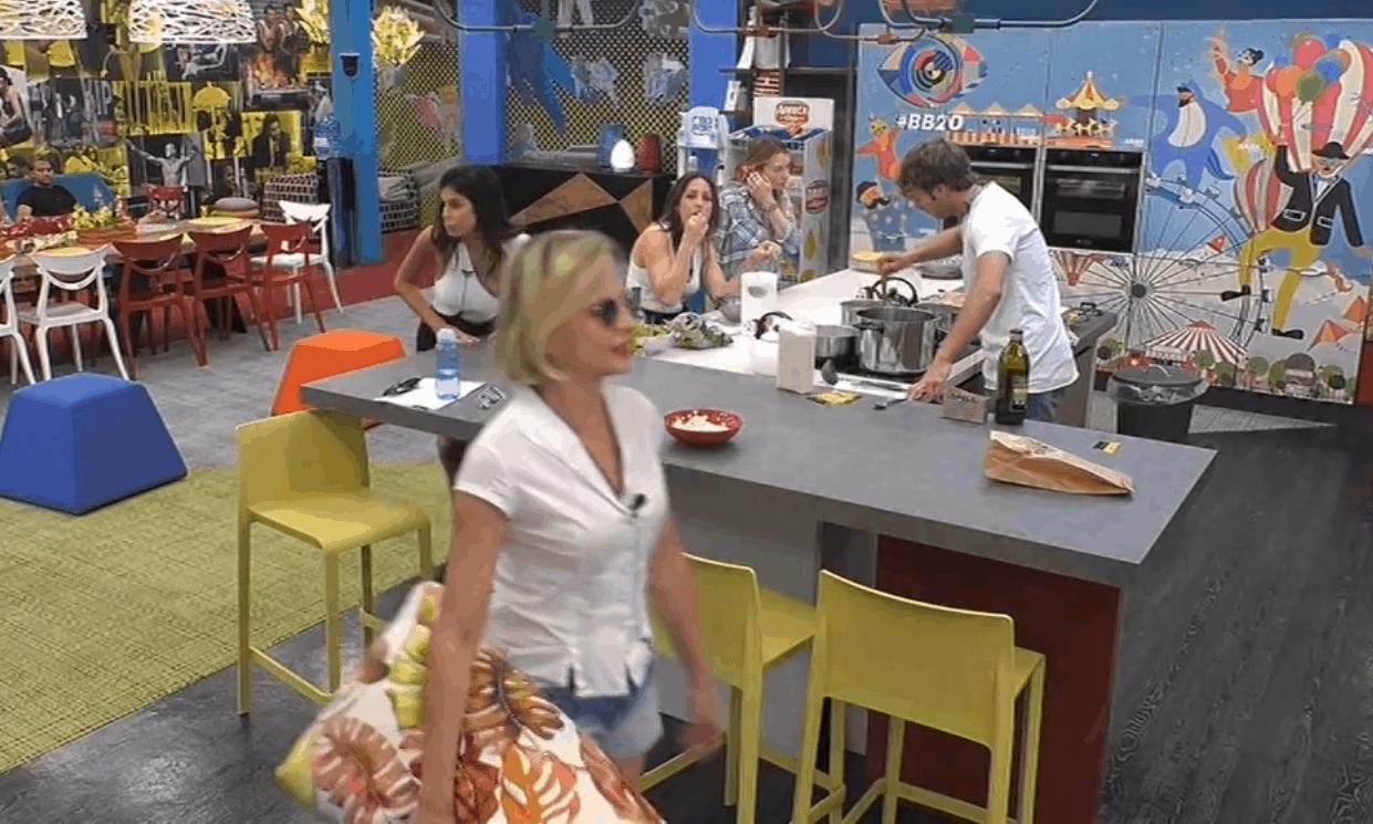 GF Vip 4, Antonella Elia insulta Antonio Zequila: nuove accuse nella casa