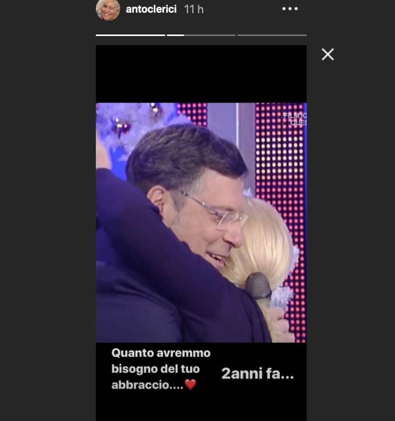 Due anni senza Fabrizio Frizzi, il ricordo di Antonella Clerici in un abbraccio (Foto)