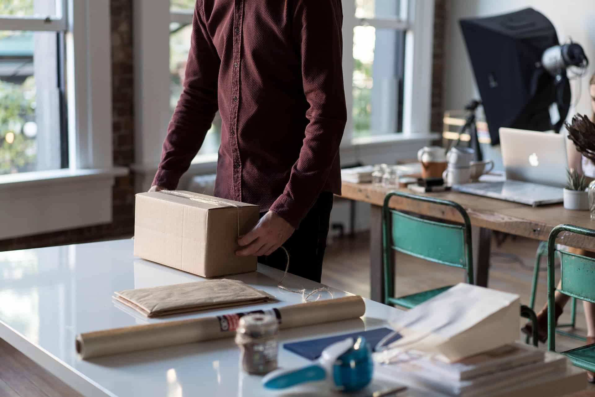 Quanto costa la spedizione di un pacco online?