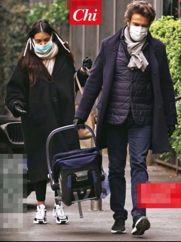 Costanza Caracciolo lascia l'ospedale, torna a casa con la sua bimba (Foto)