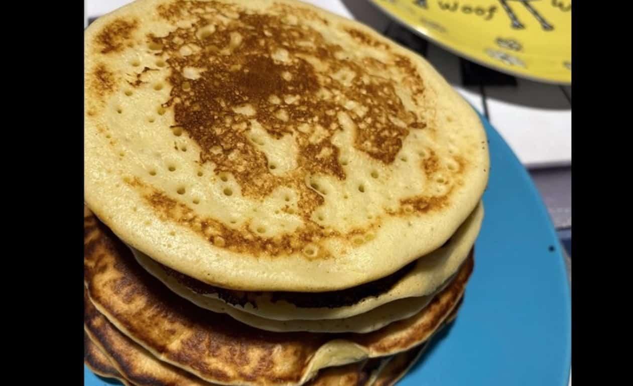 La ricetta dei pancake senza latte e senza burro
