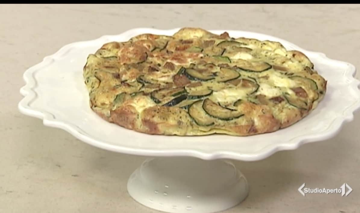 Cotto e Mangiato: la ricetta della frittata zucchine, patate e feta