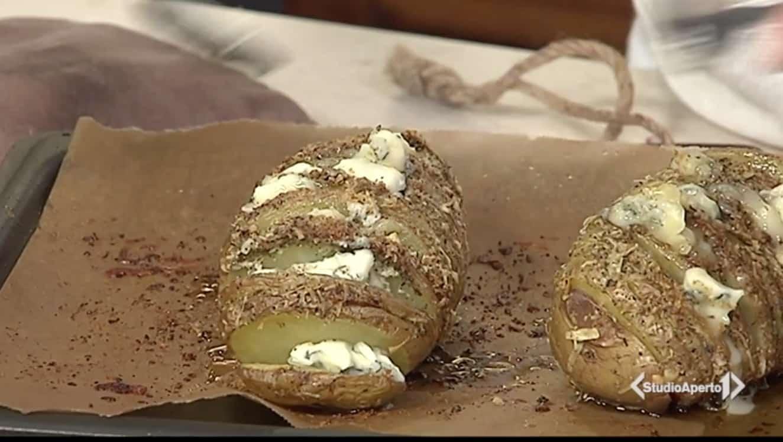 Facciamo le patate hasselback, la ricetta di oggi di Cotto e Mangiato