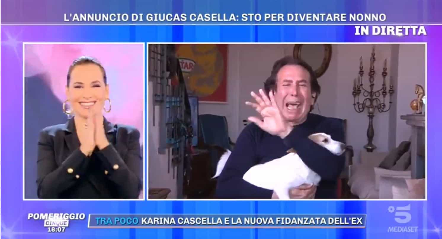 Le lacrime di Giucas Casella a Pomeriggio 5: il dolore per la mancanza di James ma poi la notizia più bella