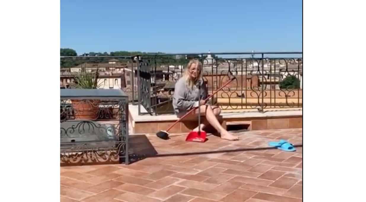 Mara Venier confessa i chili presi, le difficoltà con Nicola e la mazzata sui nipoti (Foto)