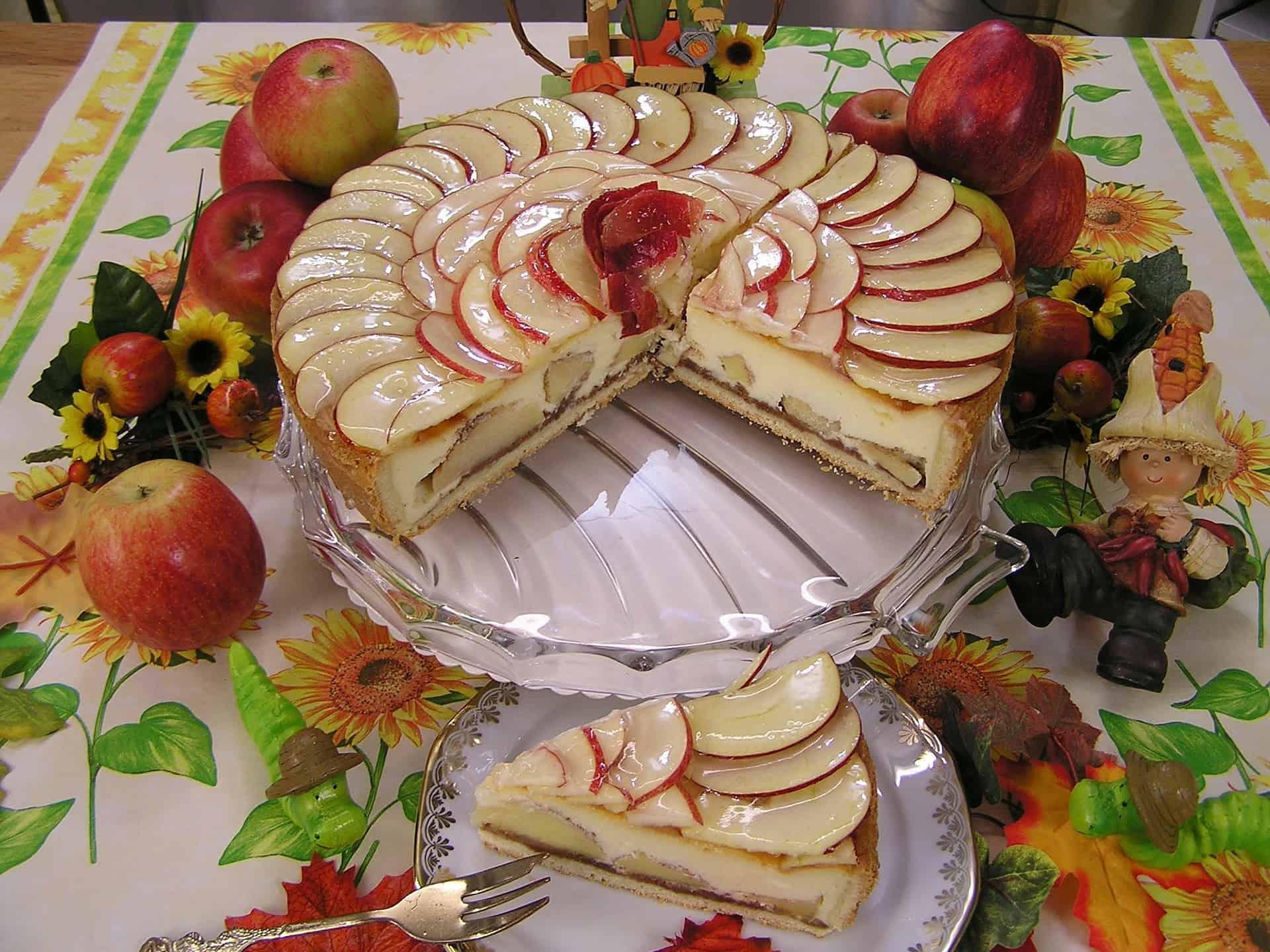 Come fare in casa la gelatina per torte con la ricetta di Benedetta Rossi