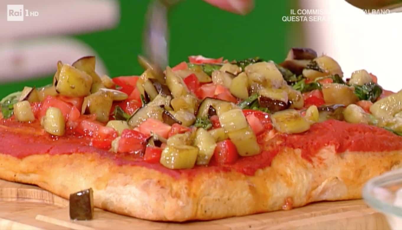 Ricette Gabriele Bonci: pizza con melanzane, stracciata e lonza da La prova del cuoco