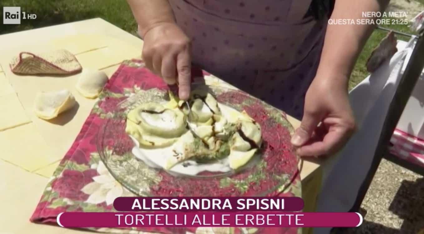 Alessandra Spisni dal suo giardino la ricetta tortelli alle erbette (Foto)
