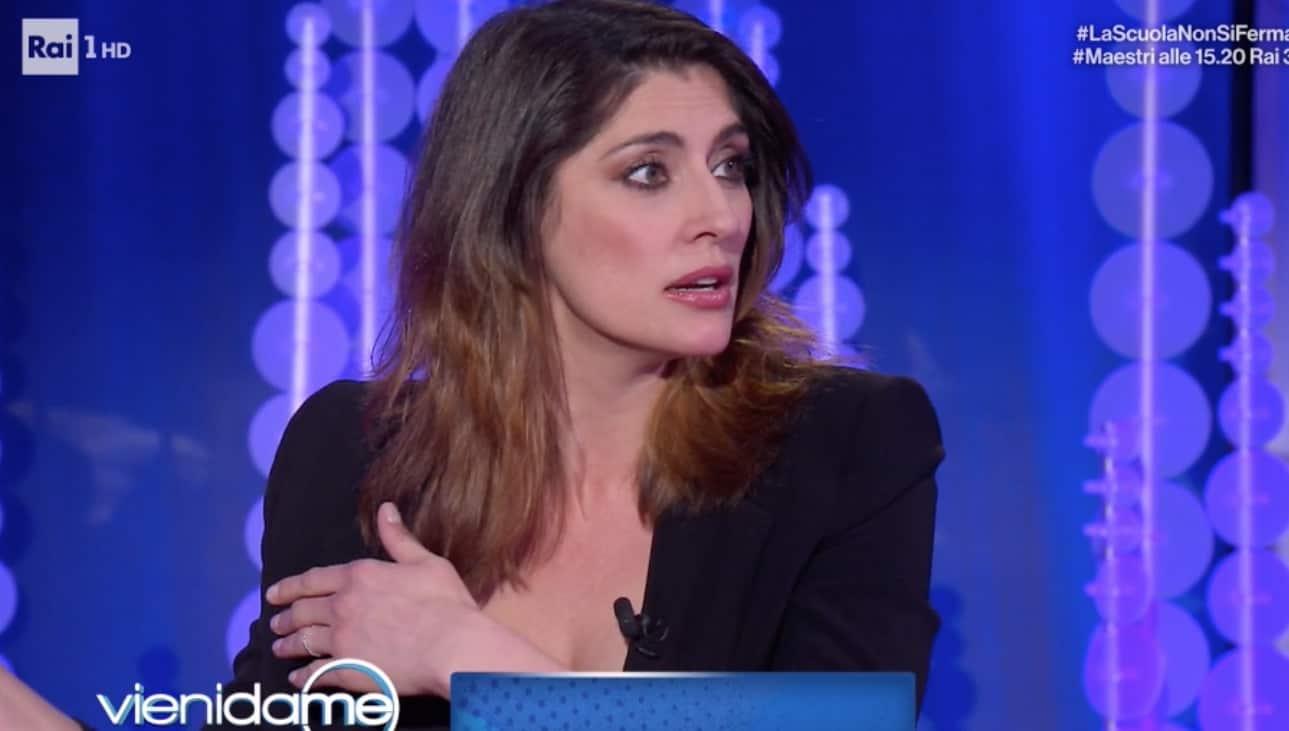 Elisa Isoardi e il confronto con Antonella Clerici, a Vieni da me la risposta (Foto)