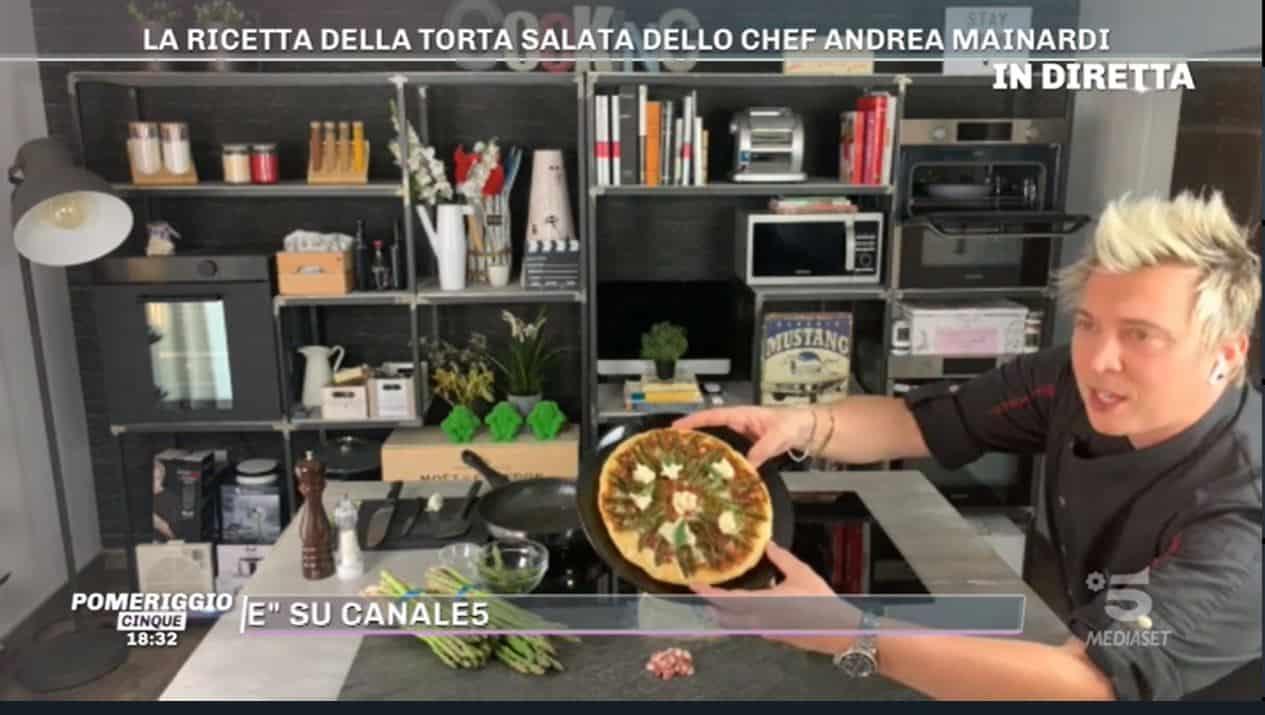 La ricetta della torta salata di Andrea Mainardi per chiudere Pomeriggio 5