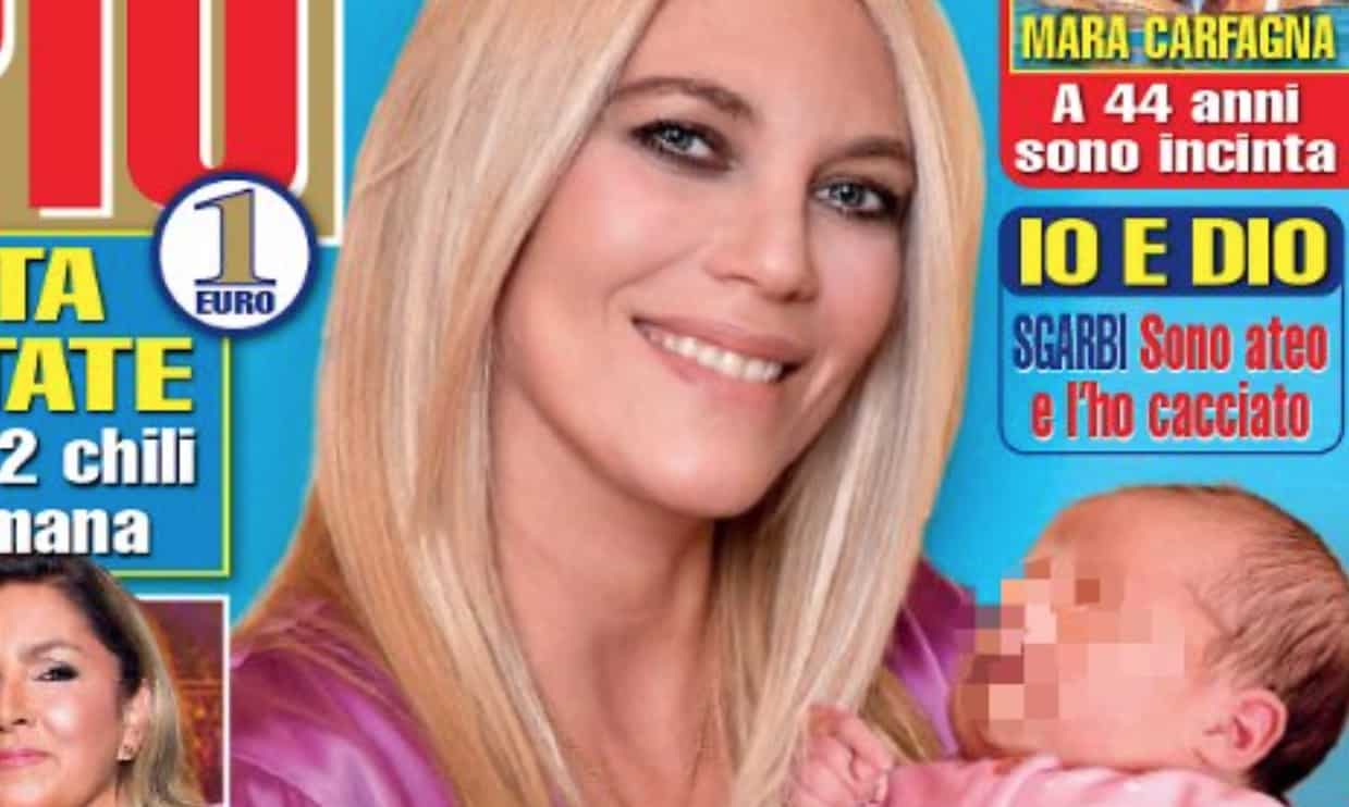 Eleonora Daniele racconta del parto cesareo con la sua prima copertina con Carlotta (Foto)