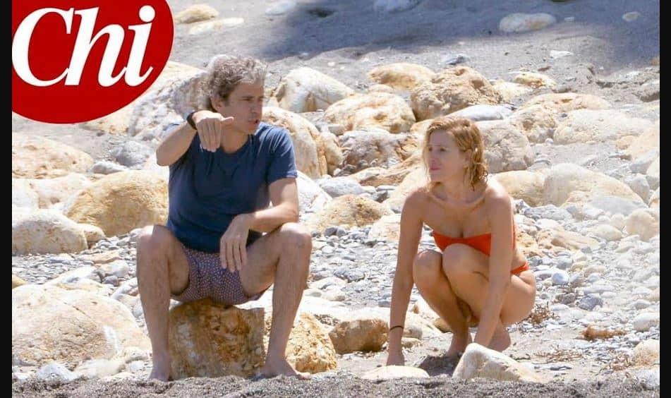 Alessia Marcuzzi e Paolo scacciano la crisi: week end insieme al mare (FOTO)