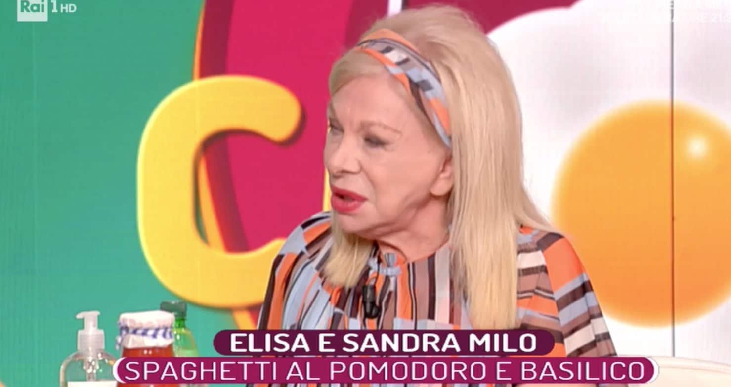 """Sandra Milo a La prova del cuoco imbarazza Elisa Isoardi: """"Sei innamorata?"""" (Foto)"""