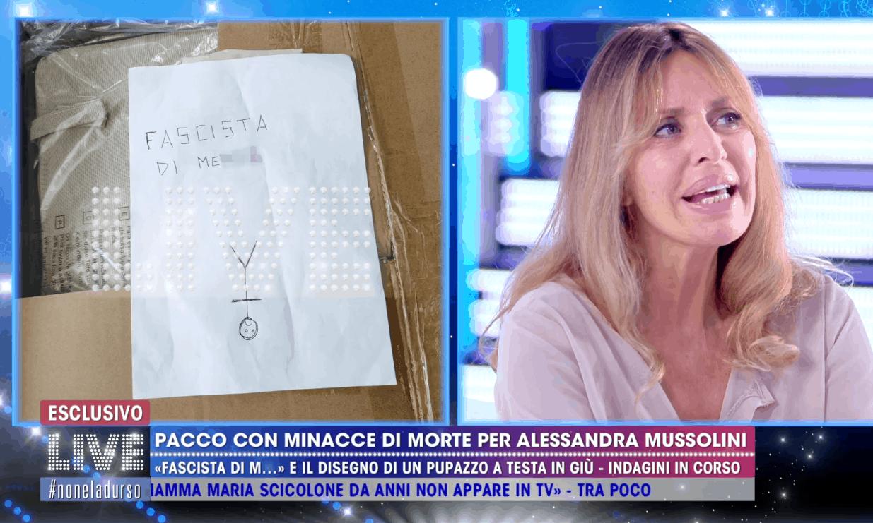 Live – Non è la d'Urso, minacce di morte ad Alessandra Mussolini