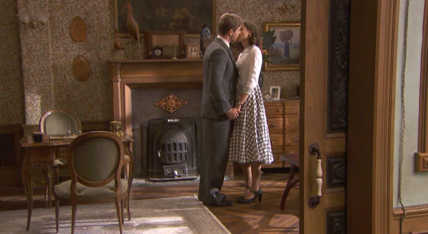 Il segreto anticipazioni: Marta e Adolfo di nuovo vicini ma lui sta per sposare Rosa
