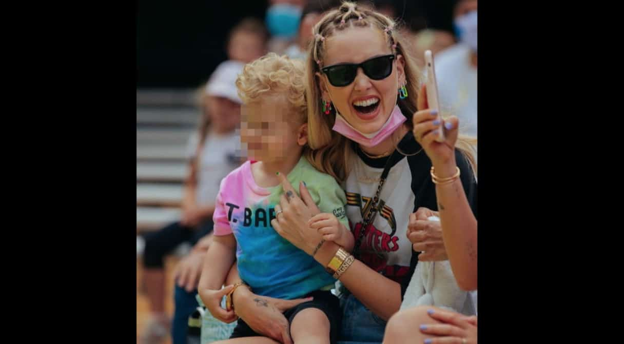 Chiara Ferragni a Gardaland con Leone, ma ci sono anche mamma e sorella (Foto)