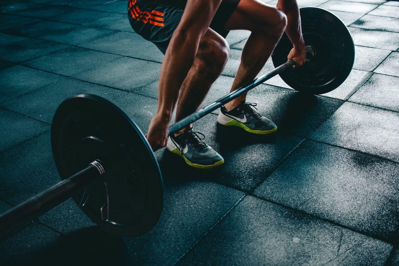 Quali sport evitare se soffriamo di emorroidi: sì al movimento ma attenzione al dolore