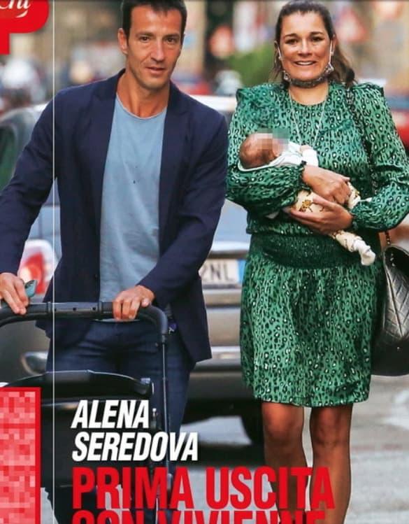 Alena Seredova e Alessandro Nasi al ristorante con la piccola Vivienne, le prime foto su Chi