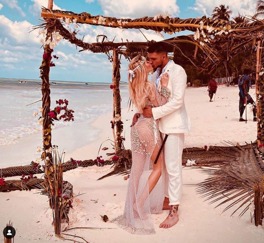Elena Morali e Luigi Favoloso si sono sposati a Zanzibar: matrimonio in spiaggia (FOTO)