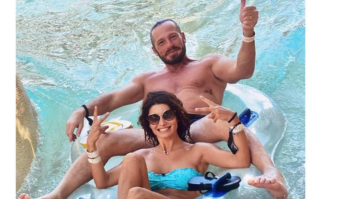 Samanta Togni raggiunge il marito a Dubai ma non è tutto perfetto (Foto)