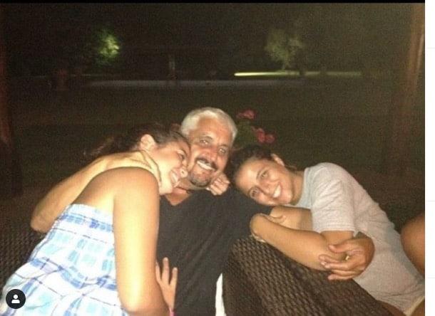 Sara Daniele pubblica la foto con papà Pino e la sorella: ricorda quel momento meraviglioso