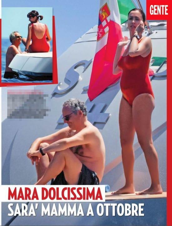 Mara Carfagna che spettacolo il pancione in costume intero (FOTO)