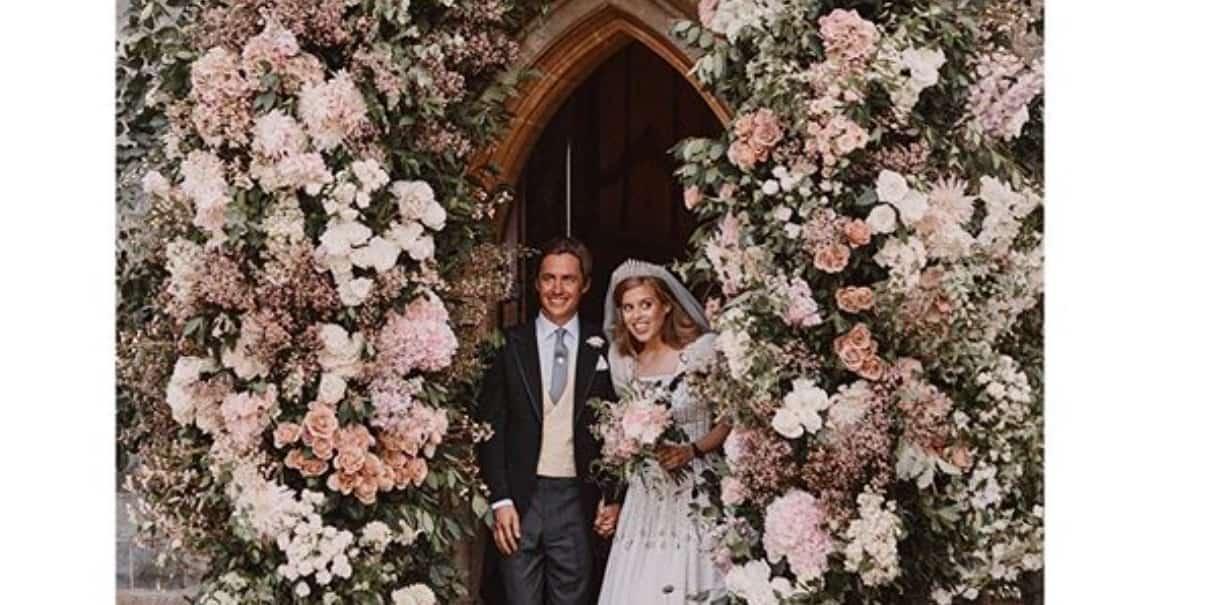 Le foto del matrimonio di Beatrice di York, la principessa è bellissima col suo abito vintage