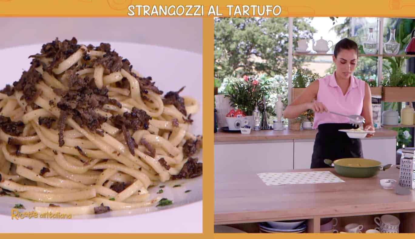 Anna Moroni cucina gli strangozzi al tartufo con la bella Annabruna per Ricette all'italiana