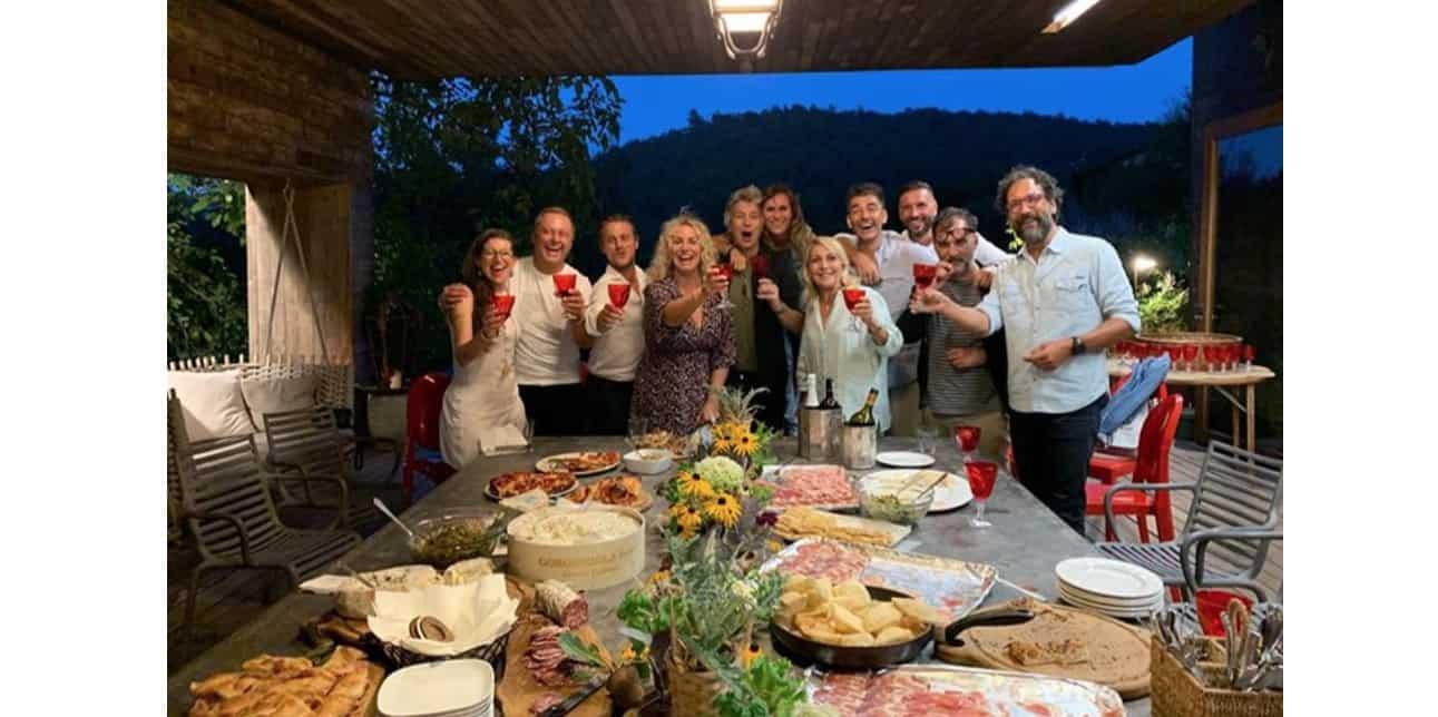 A casa di Antonella Clerici i protagonisti della Prova del cuoco per una cena nel bosco (Foto e Video)