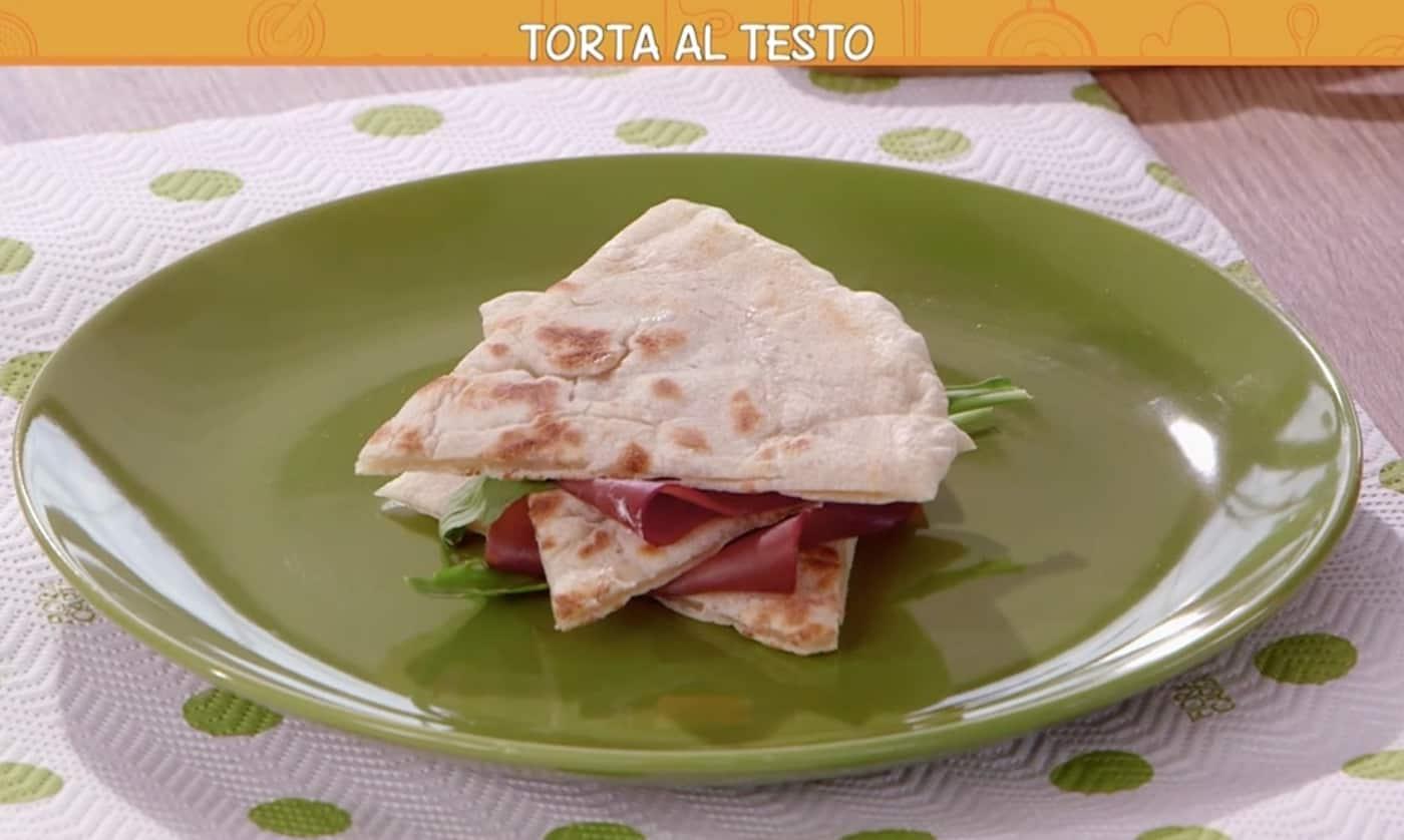 La torta al testo di Ricette all'italiana con Ciro e Anna Moroni in cucina