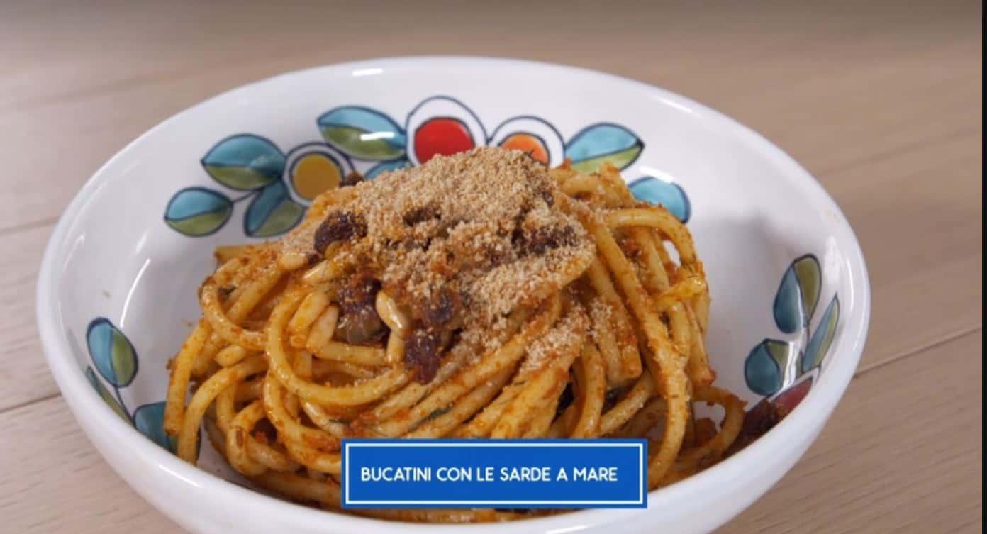 Bucatini con le sarde a mare di Giusina in cucina
