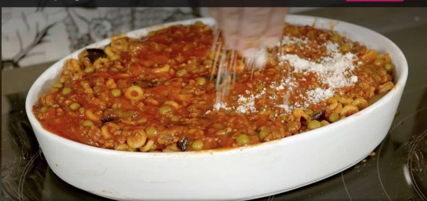 La ricetta di Giusina in cucina, gli anelletti al forno con un ragù favoloso