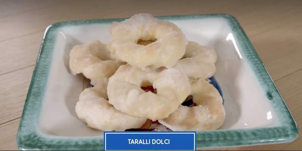 I taralli dolci con le ricette di Giusina in cucina