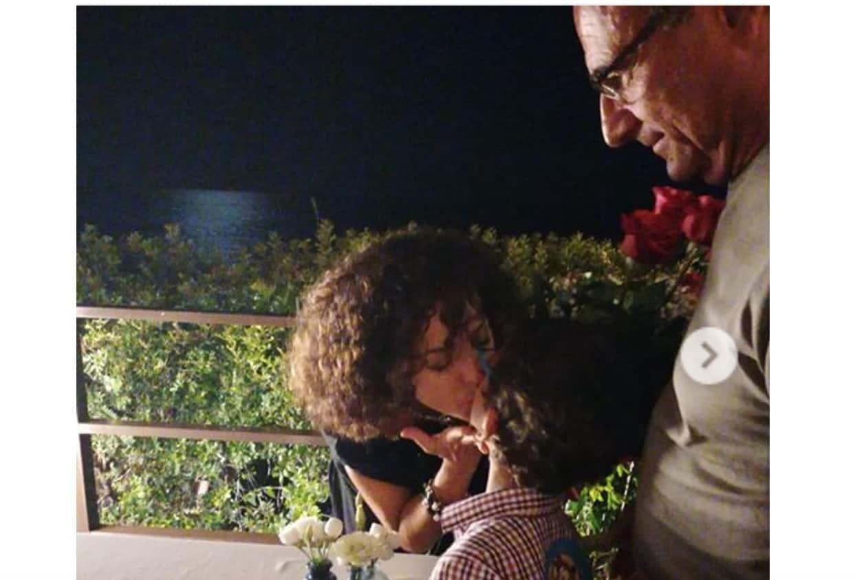 Carlo Conti: per il compleanno della moglie ha scelto una torta speciale (Foto)