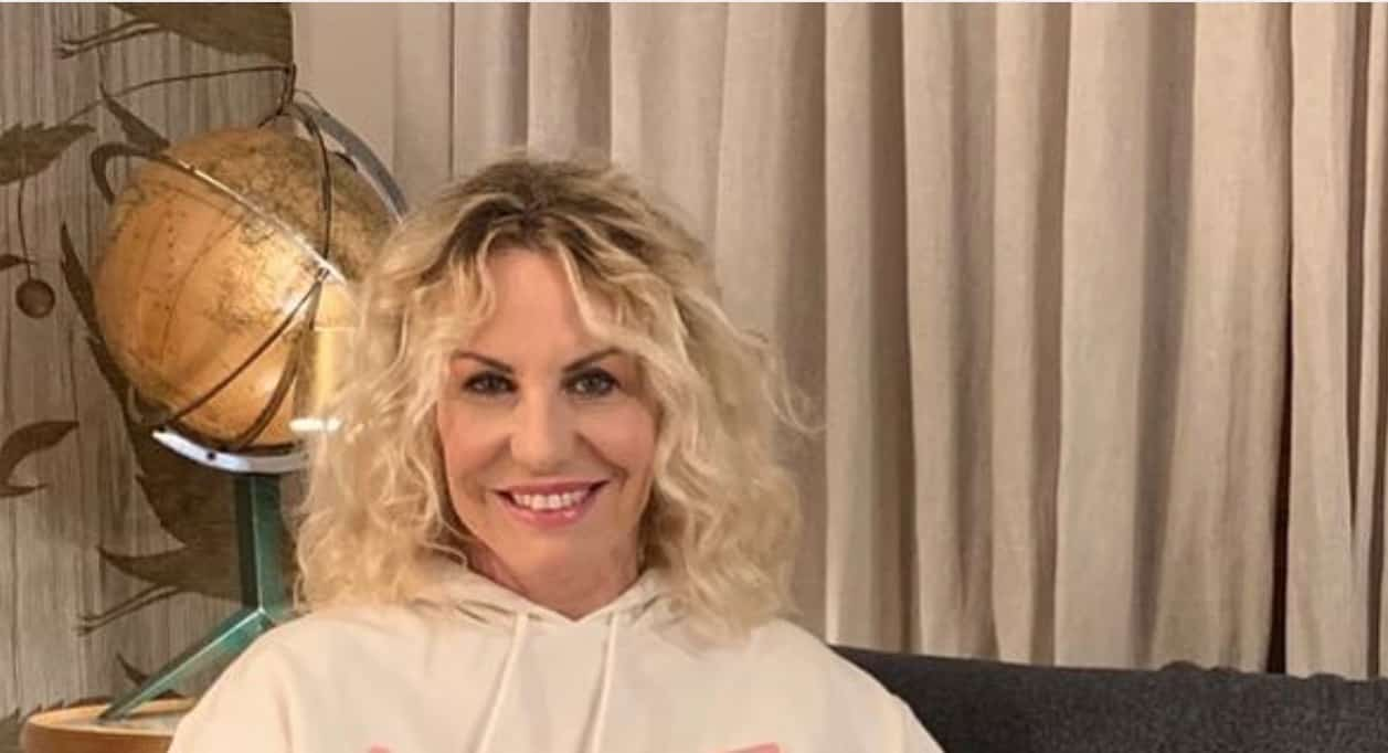 Antonella Clerici indossa una felpa, è il suo messaggio contro i commenti peggiori? (Foto)