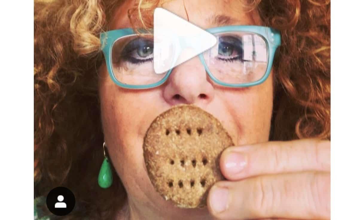 La ricetta dei biscotti sciuè sciuè di Luisanna Messeri: pochi grassi e senza uova