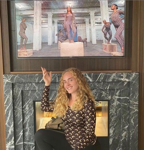Adele somiglia alle Ferragni, bionda e con tutti i chili in meno è la quarta sorella (Foto)