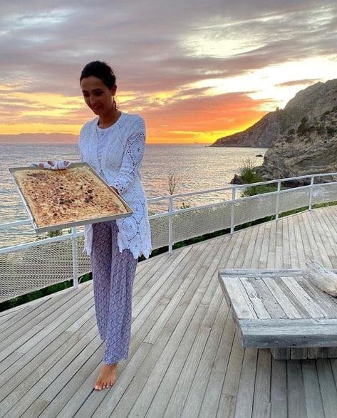Caterina Balivo è tornata in Toscana e in cucina, questa volta per la pizza fatta in casa (Foto)
