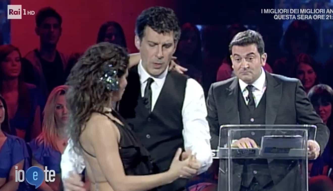 Fabrizio Frizzi e Samanta Togni, il ricordo a Io e Te commuove tutti ma poi arriva Bettarini (Foto)