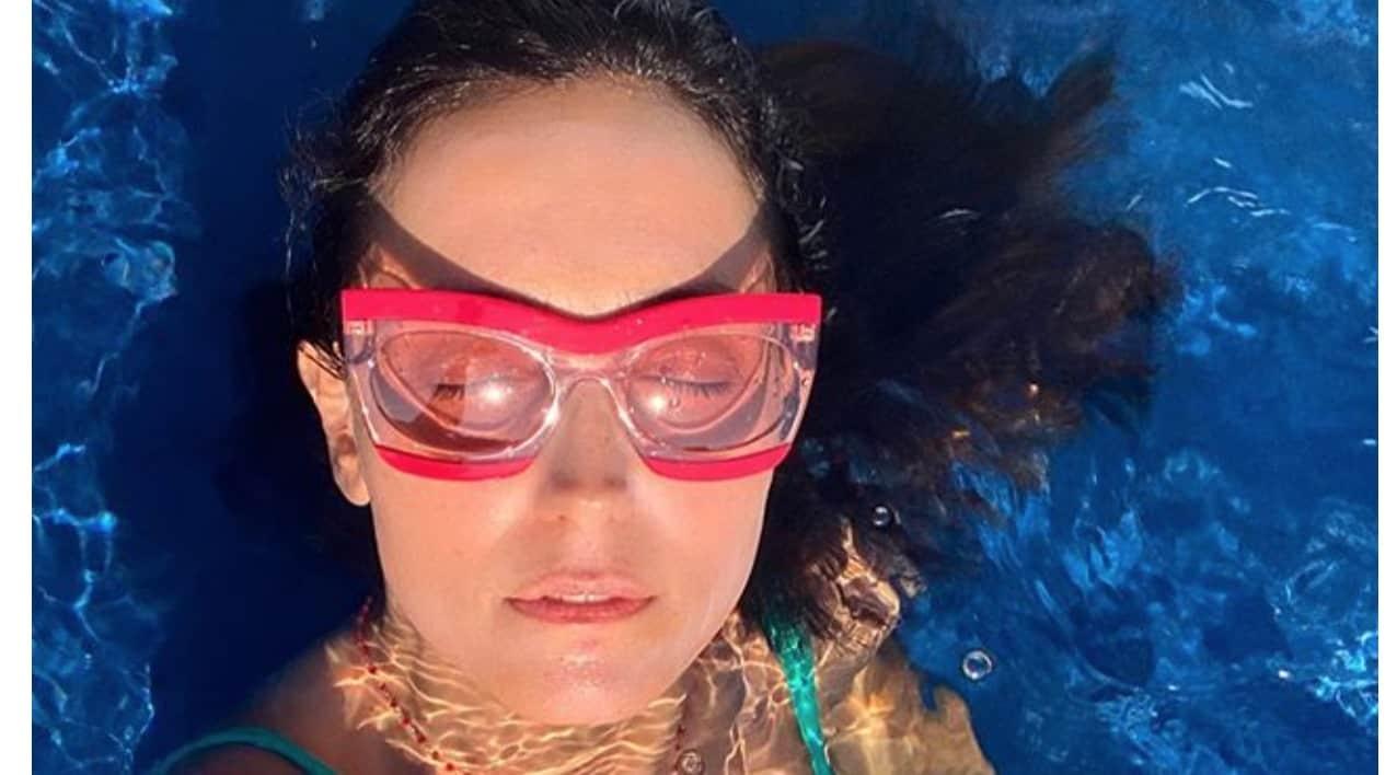 Caterina Balivo risponde a chi le dice che dovrebbe vergognarsi per le sue vacanze (Foto)