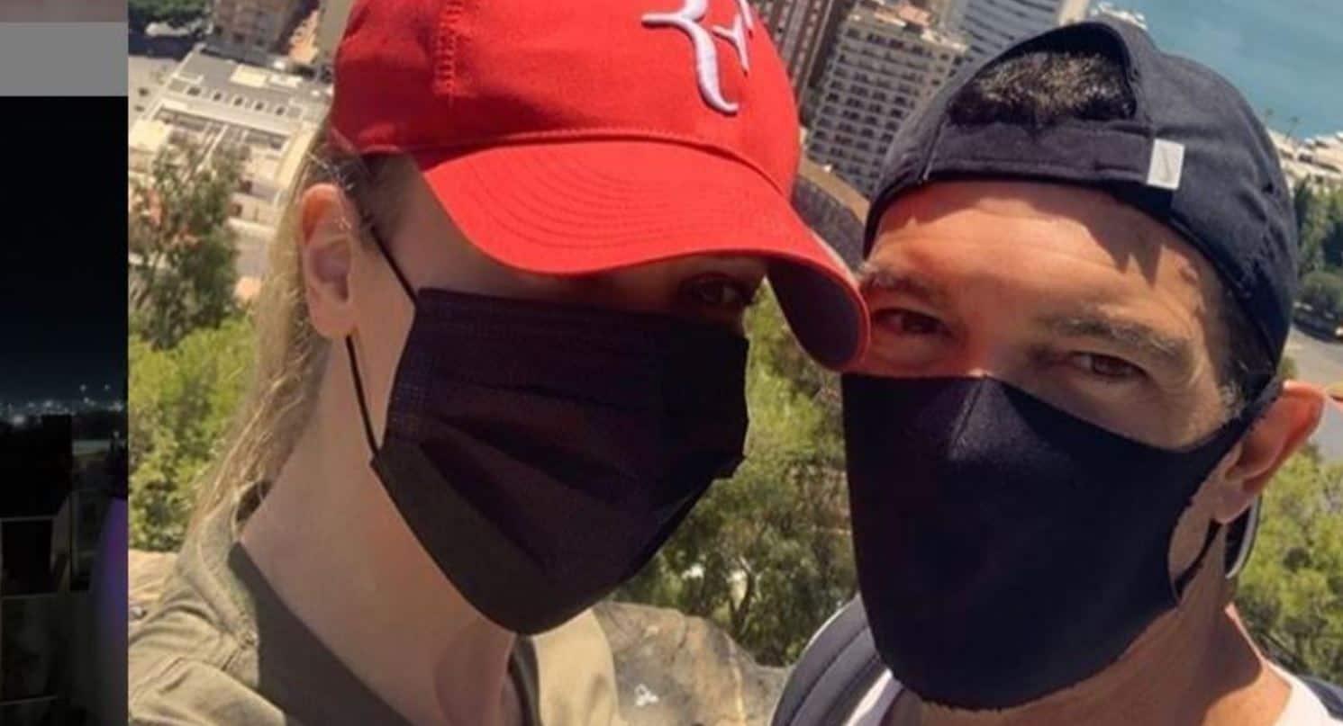 Antonio Banderas annuncia di avere il coronavirus e spiega cosa farà nei prossimi giorni
