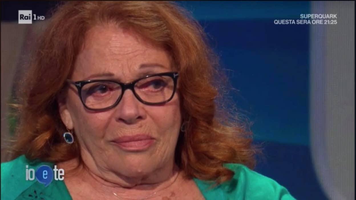 """A Io e Te Valeria Fabrizi parla della morte del figlio Alberto: """"Sono una donna forte"""""""