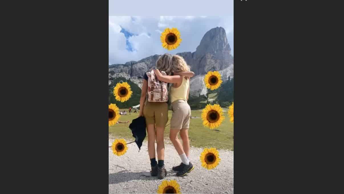 Elena Santarelli e Alessia Marcuzzi in vacanza insieme si godono amicizia e famiglia in montagna (Foto)