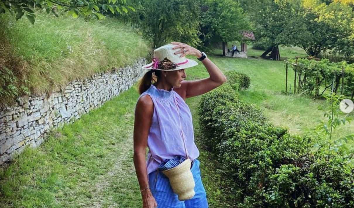 Cristina Parodi a Ferragosto senza trucco ma non tutti apprezzano le sue foto