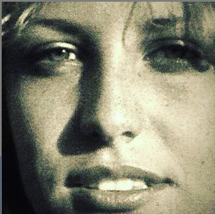 Antonella Clerici bellissima a 16 anni, la conduttrice sfoglia l'album dei ricordi (Foto)