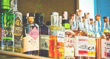 etichette sulle bottiglie