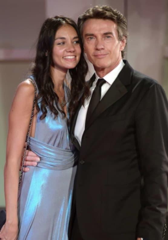 Alessio Boni a Venezia 77 col passeggino: è il più dolce dei red carpet con Nina Verdelli (Foto)