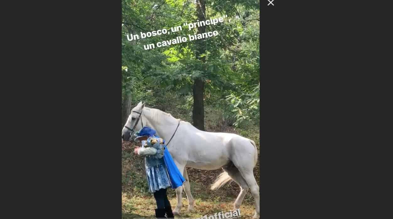 E' sempre mezzogiorno: c'è un principe azzurro nel bosco di Antonella Clerici (Foto)